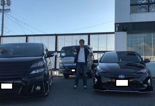大阪府のW様 新車プリウス納車☆